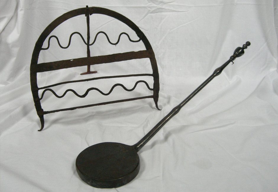 Late 18th / early 19th century domestic iron ware
